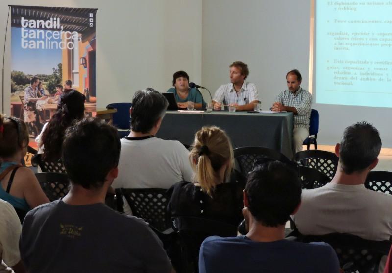 SE PRESENTO LA DIPLOMATURA UNIVERSITARIA EN TURISMO ALTERNATIVO ESPECIALIZADO EN TÉCNICAS DE ESCALADA Y TREKKING